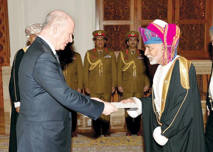 Ambassador Sievers presents his credentials to Sultan Qaboos.